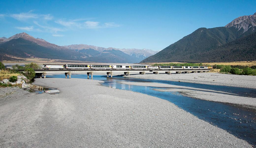 TranzAlpine---Crossing-Waimakariri-Bridge-1