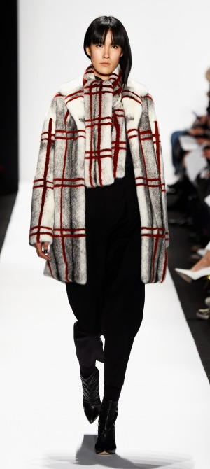 Carmen Marc Valvo Runway Mercedes Benz Fashion Week Fall 2015 M2now (9)