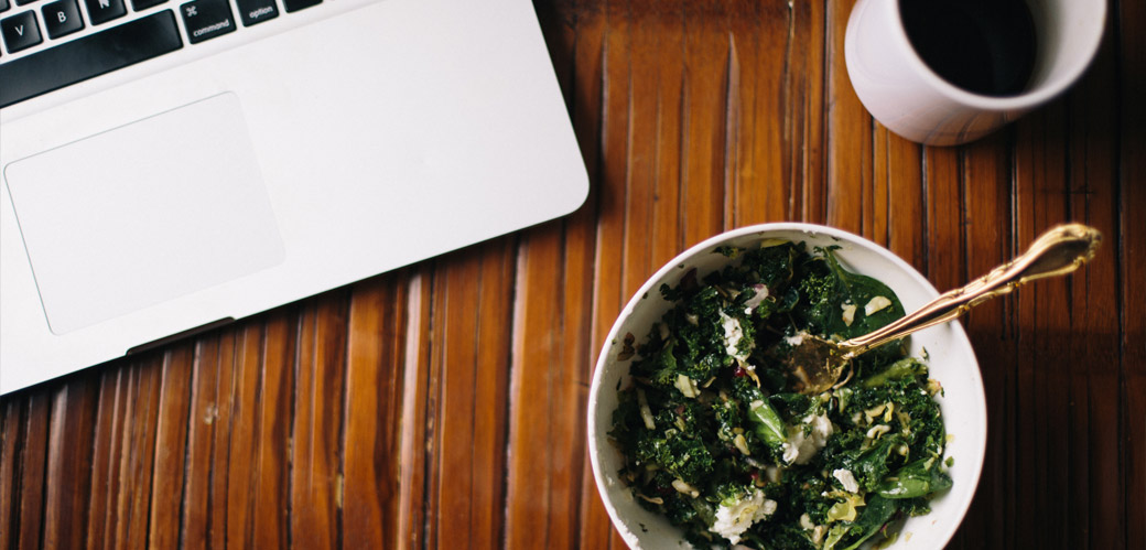 Food-on-table-with-laptop