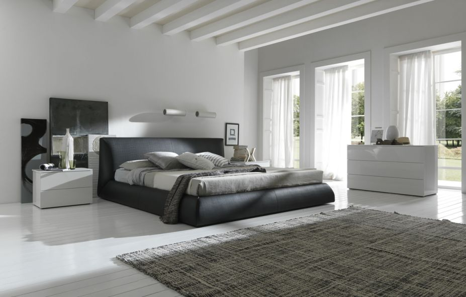 Black-And-White-Bedroom-Design-927x592