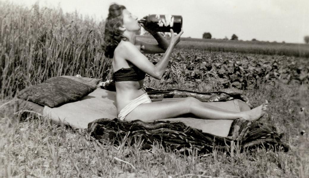 Dangerous-Woman-Drinking-Big-bottle