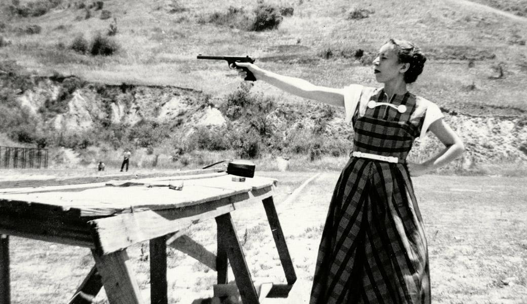Dangerous-woman-pistol