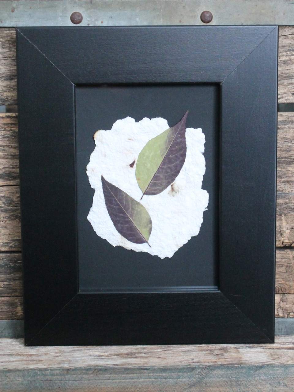 Framed-Leaves-5X7-Black-Abstract-Frame