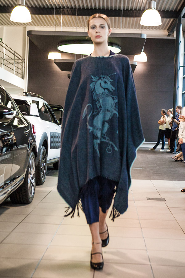 Hailwood-Fashion-Poncho