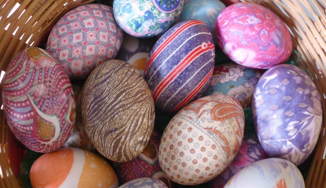 Tie-Die-Easter-Eggs
