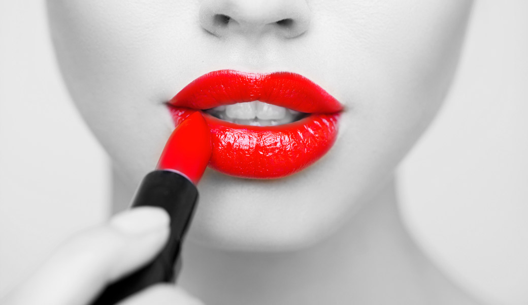 Red-Lipstick-Black-And-white