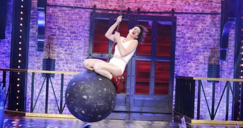Wrecking-Ball-Anne-Hathaway
