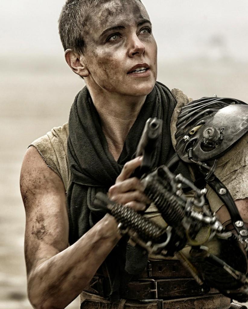 Charlize-Theron-Mad-Max-robot-arm
