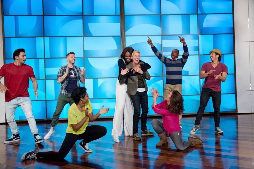 Michelle obama hug Ellen