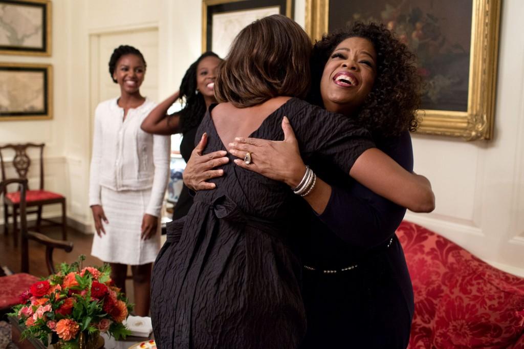 Michelle obama hug Oprah