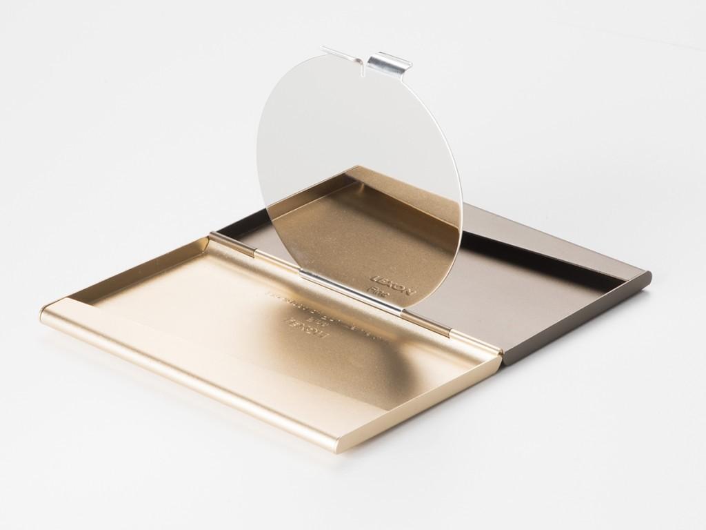 Pualine Deltour gadgets for classy ladies (3)