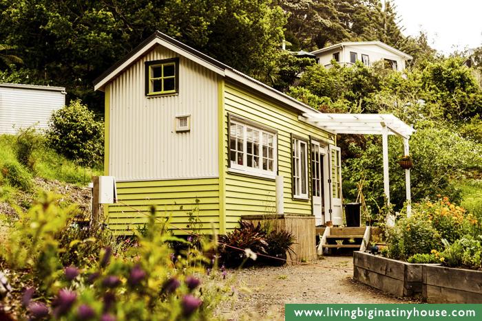 cottage-style-tiny-house