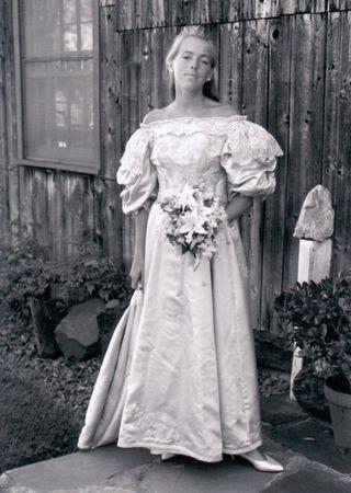 11th generation wedding dress 120 years old (9)