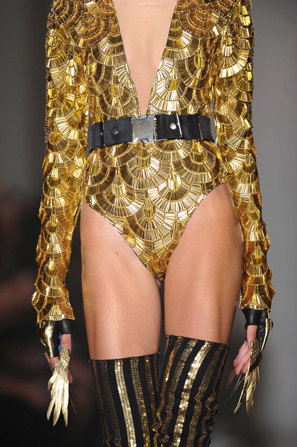 Nail-Fashion-Gold