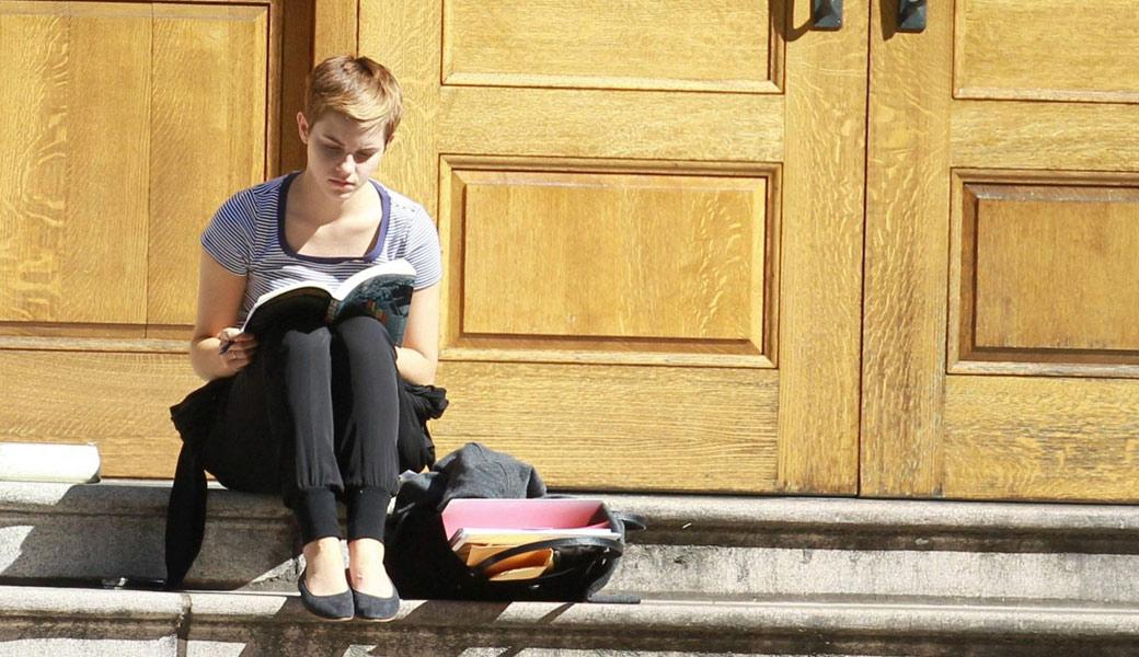 Emma-Watson-Studying-At-Oxford-University-Wallpaper