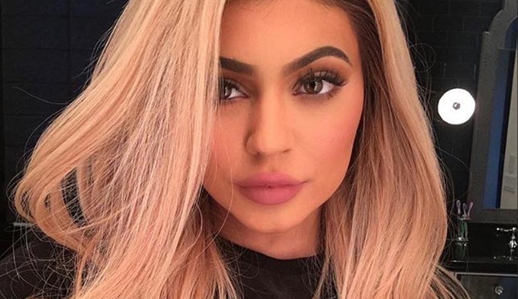 Kylie-jenner-sings-along-to-gwen-stefani-m2woman