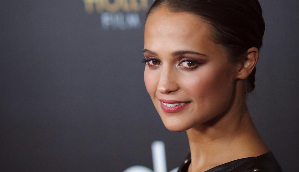 alicia-vikander-m2woman