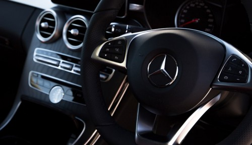 mercedes-c300-coupe-inside-m2woman