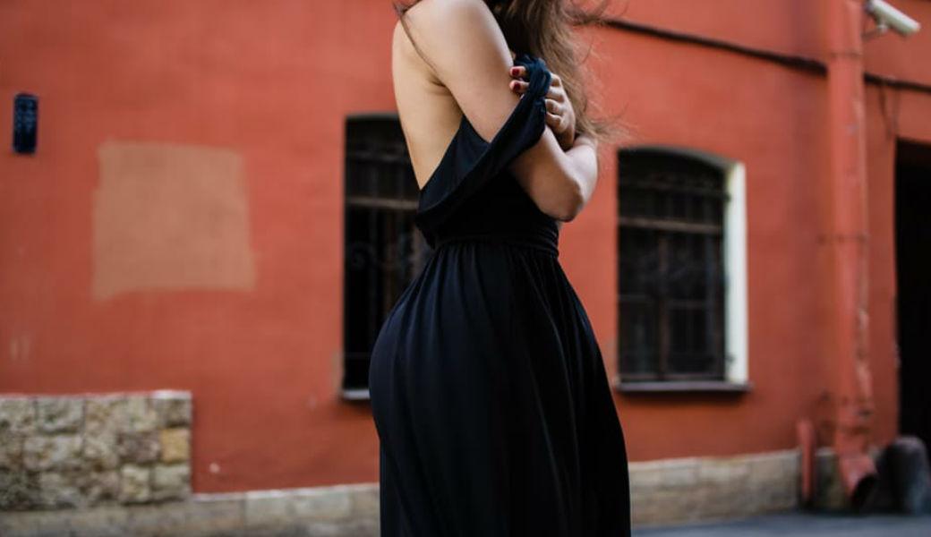 woman-in-dress-m2woman