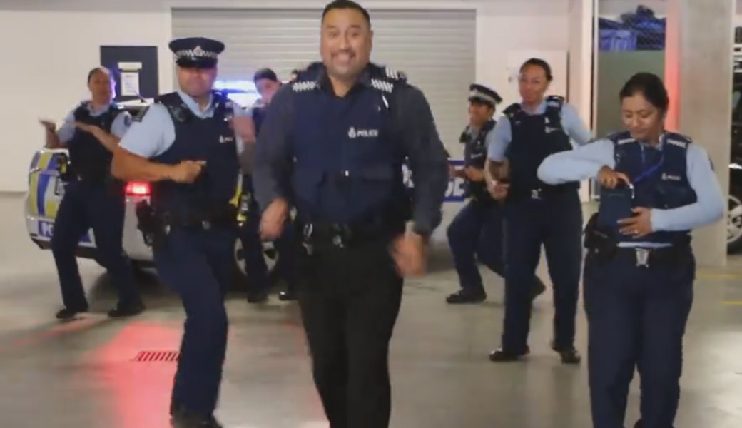 Police Running Man Local Nz Cops Start Awesome Dance Challenge