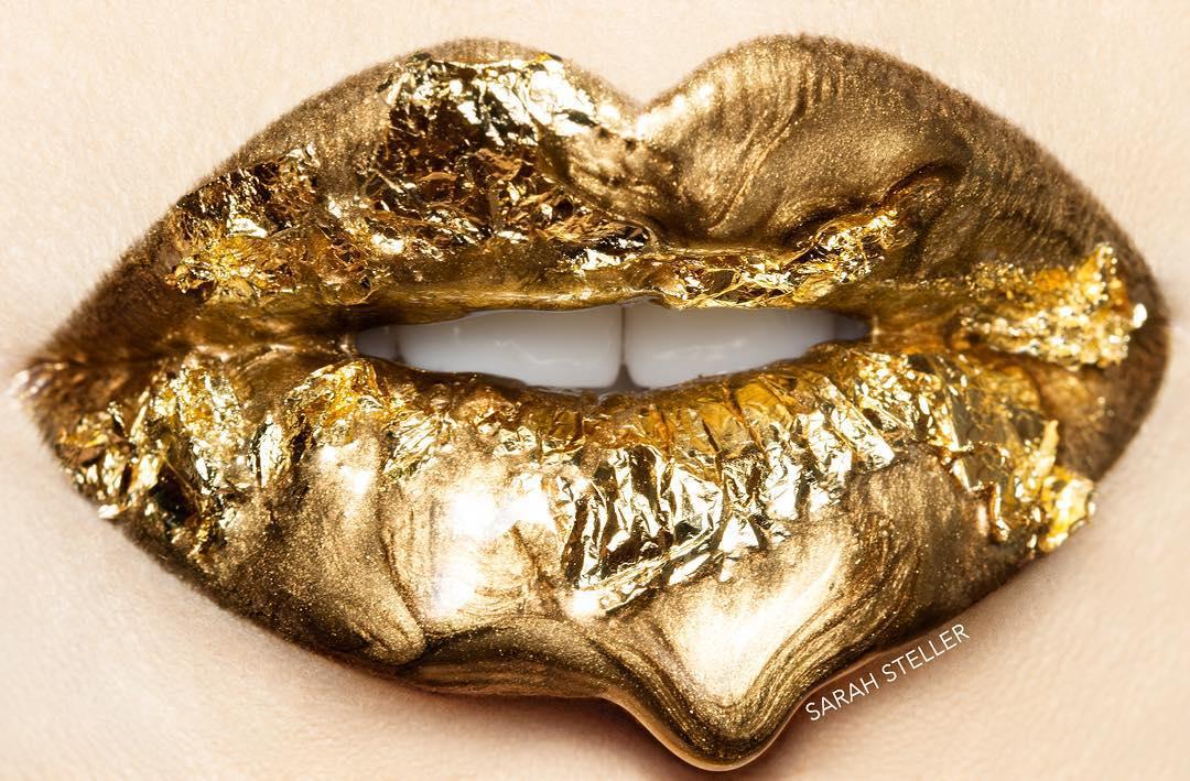 Sarah Teller Instagram golden lips sexy