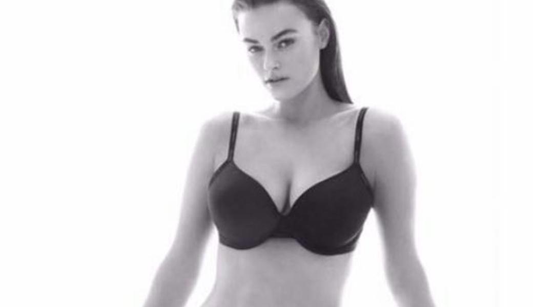 plus-sized-model-ck-m2woman