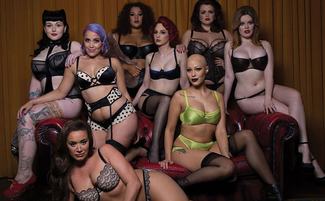 Goth big tits porn pics