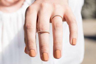 Nails-topcoat-M2woman