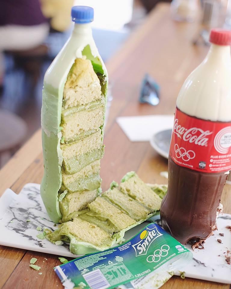 Soda Cakes look like coke but really cake (4)