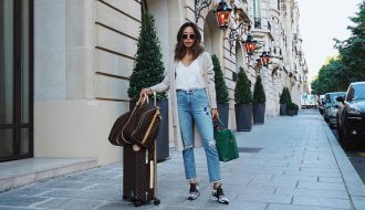 Travel-snacks-M2woman