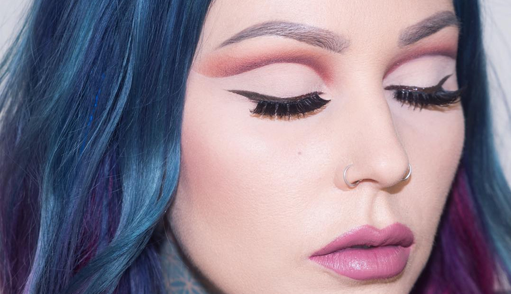kristen-leanne-cut-crease-m2woman