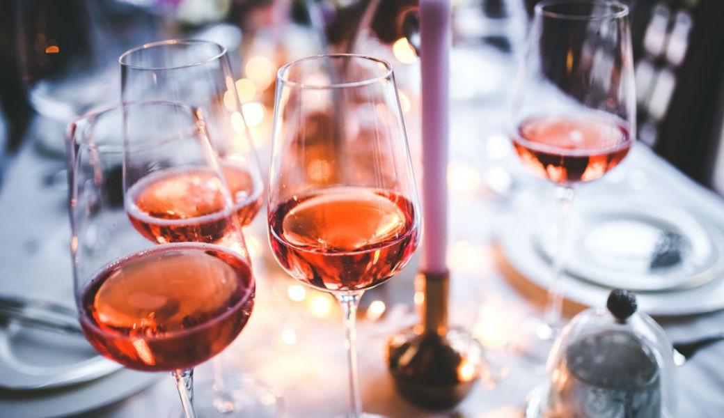 wine-rose-2woman