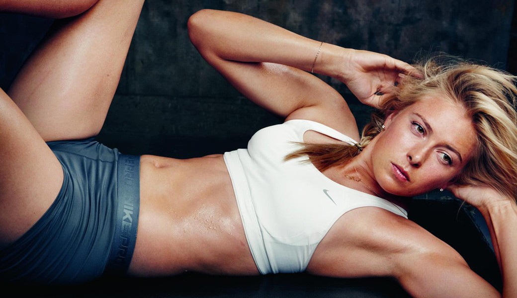girl-sweaty-wet-workout-nike-m2woman-crunch-abs-m2-andre