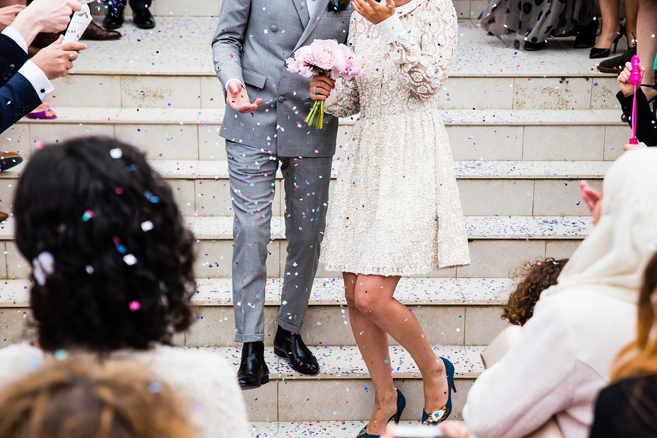 This Is How Much To Spend On Gifts For A Wedding