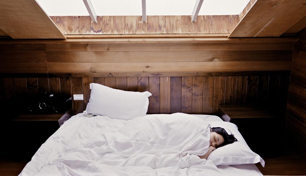 m2woman-sleeping-woman