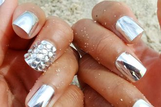 chrome-nails-m2woman