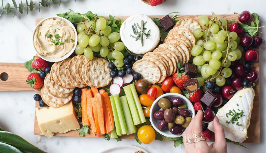 be the queen of platters this summer by following our simple tips