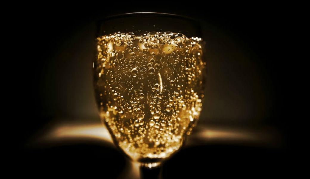 vintage-champagne-m2woman