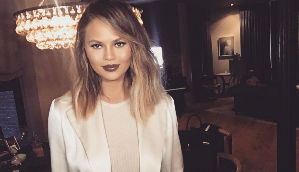 chrissy-teigen-m2woman