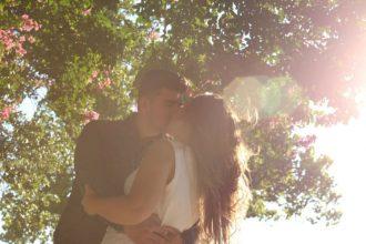 cute-couple-romance-blossom-tree-m2woman