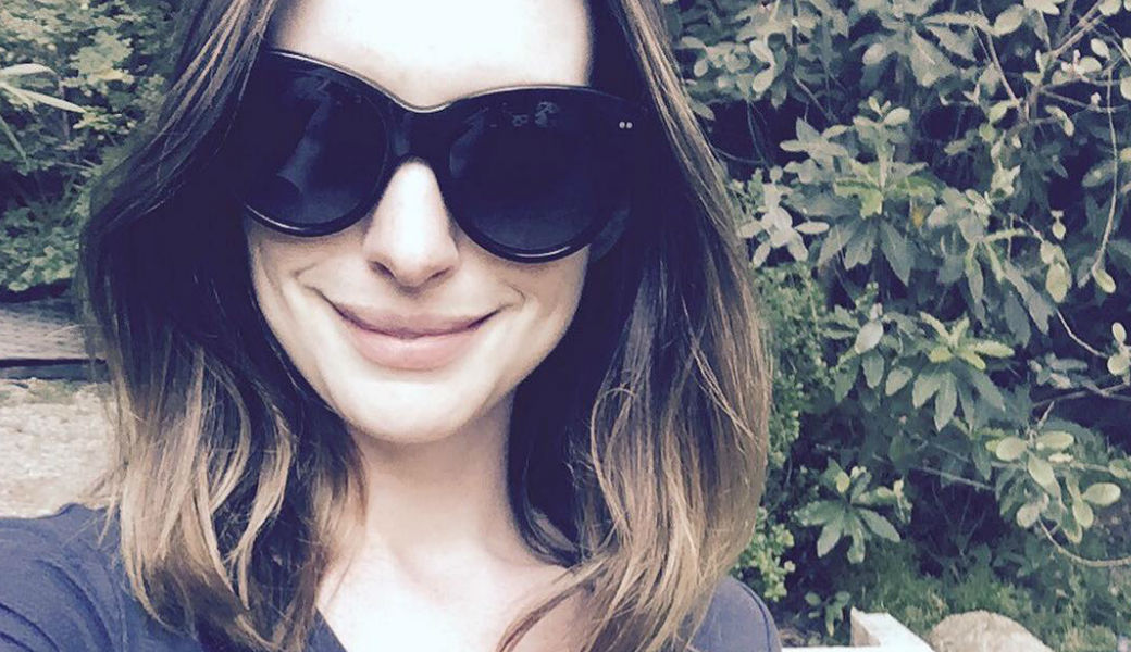 Anne-Hathaway-m2woman