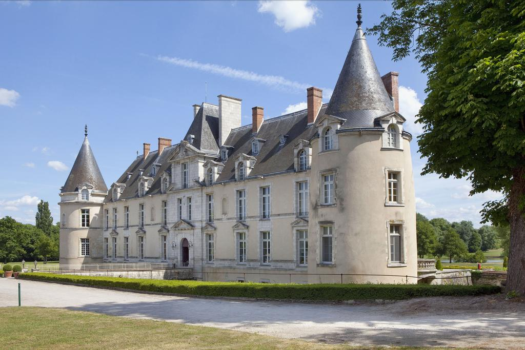 The 7 best castle retreats from around the world for Chateaux in france to stay