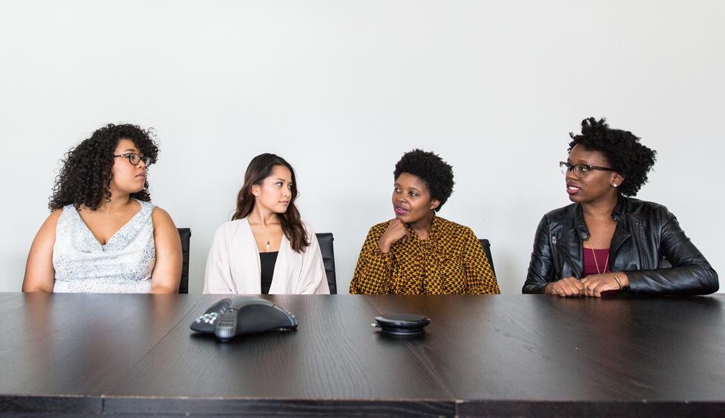 Woman-Boss-Tech-girl-hard