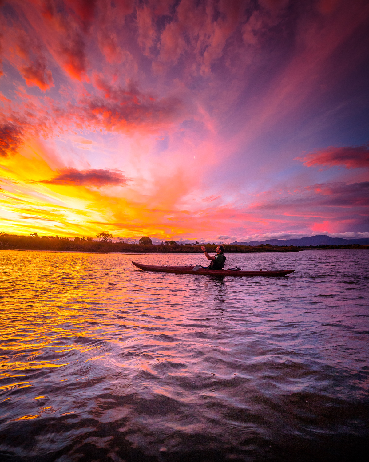 Choice-Hotels-TravelGrammer--Kayaking-on-Wairau-lagoon-by-Lester-Chan
