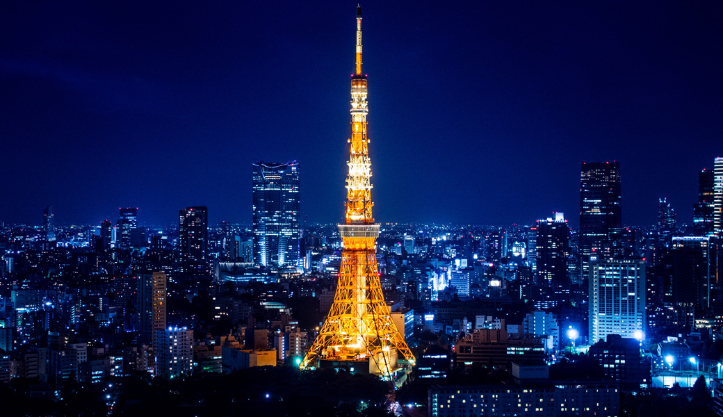 Tokyo-Tower-Amazing-blue