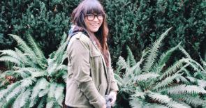 Asian-girl-cute-smile-nature-glasses