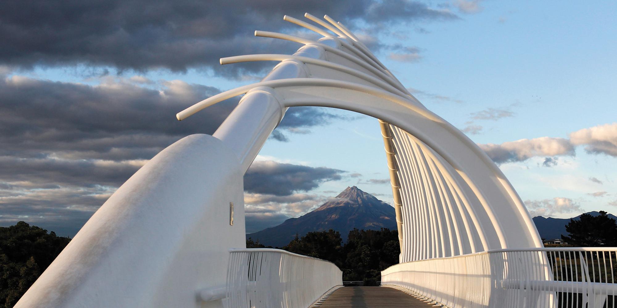 Te Rewa Rewa Bridge and Mount Taranaki - Credit Rob Tucker